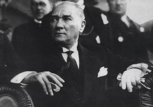 Cumhuriyetimizin kurucusu Ulu Önder Mustafa Kemal Atatürk' ten 29 Ekim' de 10 Altın Söz !
