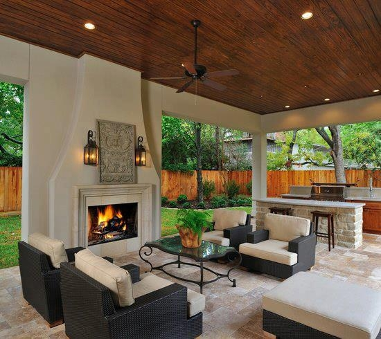 Bahçe oturma alanı ve mutfağı!