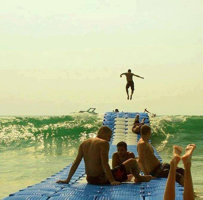 Dalgalı deniz işte böyle bir şeyle harika olur!