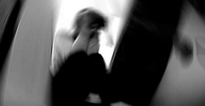 15 Yaşındaki Kıza Hastanede Tecavüz Ettiler