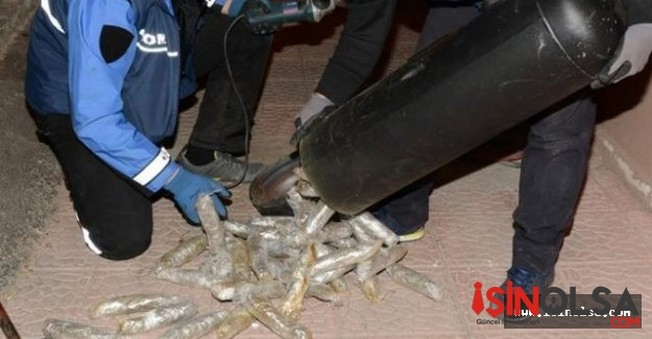 Aracın LPG Tankında 30 Kilo Esrar Yakalandı!