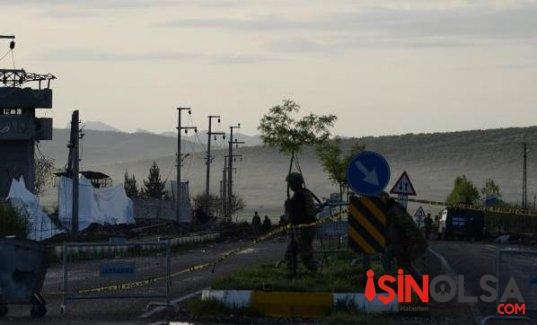 Diyarbakır Bomba Yüklü Tankerle Jandarma Komutanlığı Saldırı