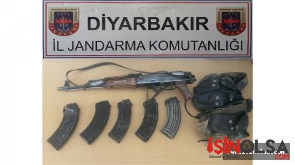 Diyarbakır'ın Lice ve Kulp ilçeleri kırsalında PKK'nın bombacısı öldürüldü