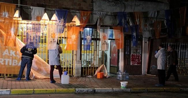 AK Parti Seçim Binasına  Molotoflu Saldırı