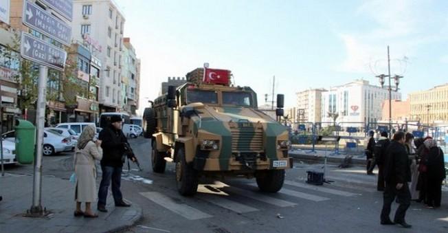 Asker'de Diyarbakır'a Girdi