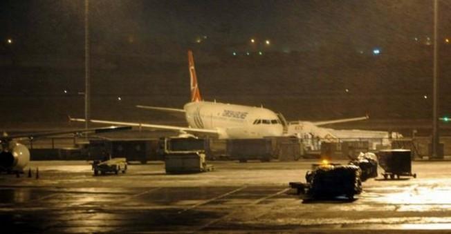 Atatürk Havalimanı içi otele döndü