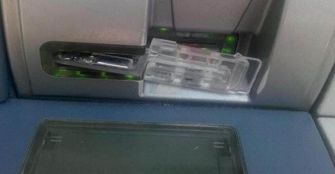 ATM Dolandırıcılarının Tuzağını Polis Ortaya Çıkardı!