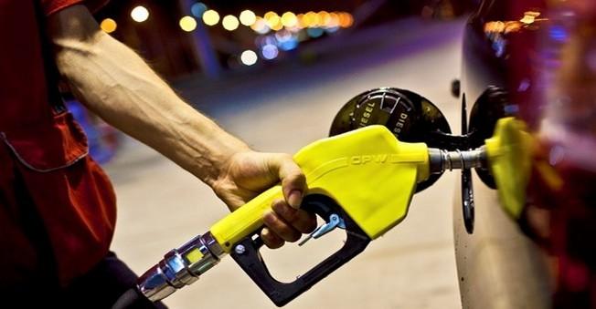 Benzinin Litresine 6 Kuruş Zam Geldi
