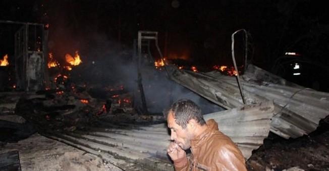 Bolu'da 7 ev ve 5 ahır yanarak KÜLE Döndü