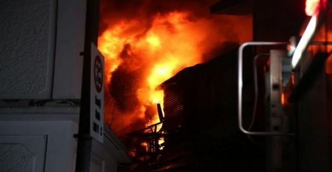 Bursa'da Çıkan Yangın'da 40 İş yeri Küle Döndü