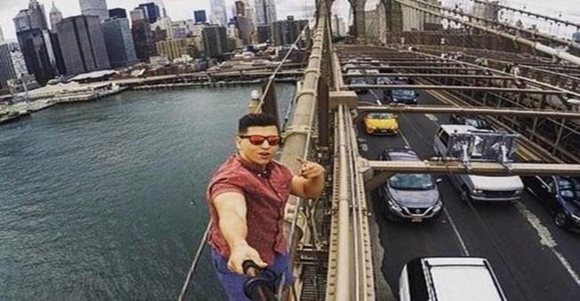 Çektiği Son Selfie Başına Dert Açtı!