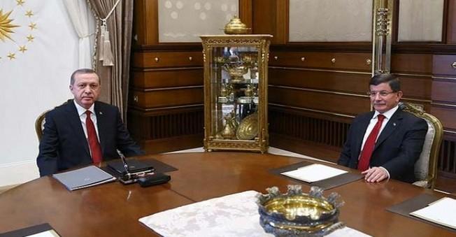 Davutoğlu, Yeni Kabineyi Erdoğan'a Sundu