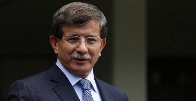 Davutoğlu,Tuğrul Türkeş'e Teşekkür Etti!