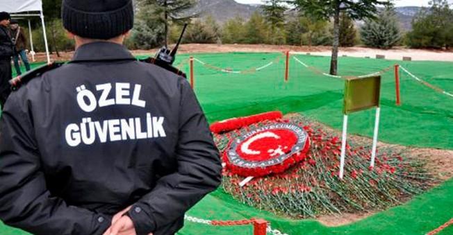 Demirel'in mezarında özel güvenlik görev alıyor