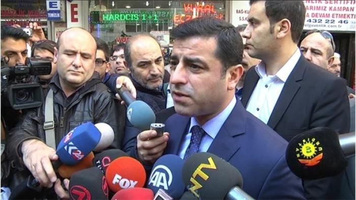 Demirtaş Yine Başbakan Davutoğlu'na Saldırdı