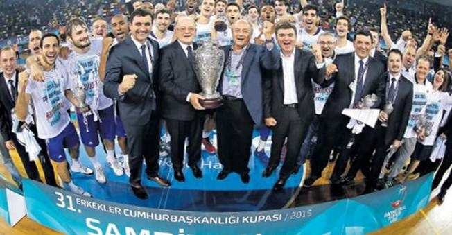 Dev Kupa'yı Pınar Karşıyaka mı? Anadolu Efes mi? Kazandı!