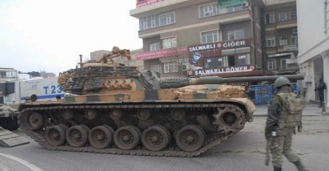 Diyarbakır'a Tank Takviyesi Yapıldı