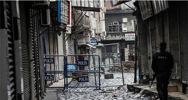 Diyarbakır'da Eve Roket İsabet Etti!