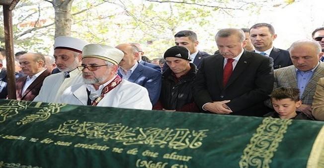 Erdoğan, Arkadaşının cenazesine katıldı