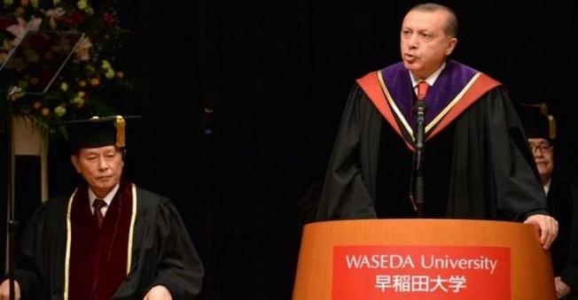 Erdoğan'a Japonya'da Fahri Doktora Ünvanı Verildi