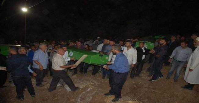 Feci Kaza'da Ölen 9 Kişi Yan Yana Defnedildi!