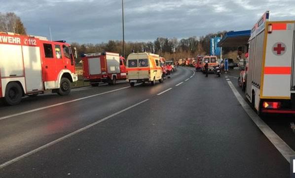 Feci Trafik Kazası! 150 Yaralı!