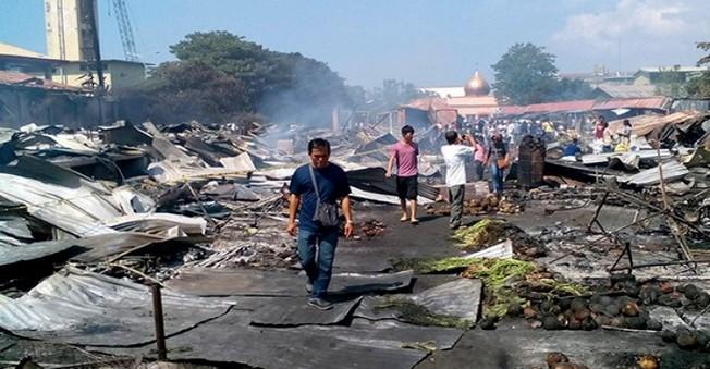 Filipinler'deki Yangın Faciasında 6'sı Çocuk 15 Kişi Öldü