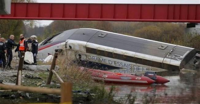 Fransa'da Hızlı Tren Raydan Çıktı: 10 Ölü