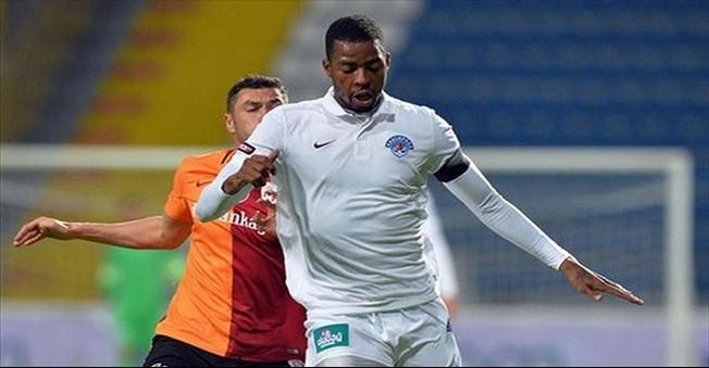 Galatasaray Pazartesi Günü Transferde Zirve Yapacak