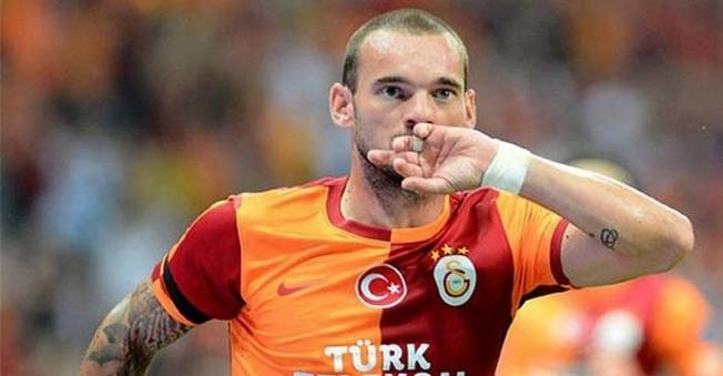 Galatasaray Wesley Sneijder için kararını verdi