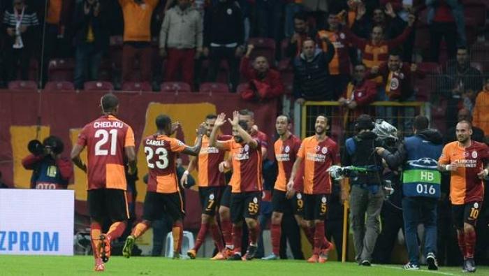 Galatasaray'lı Futbolcular Aziz Yıldırım'a Cevap Verdi
