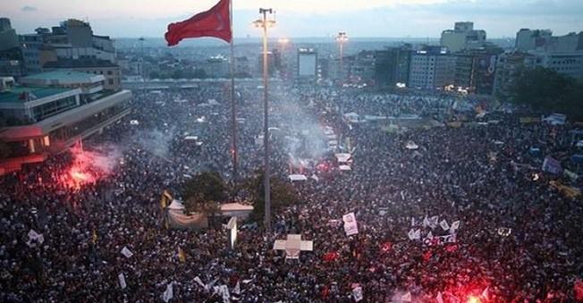 Gezi Parkı Davası'nda ŞOK Karar! 10 Ay Hapis
