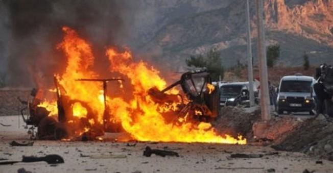 Hakkari'de Jandarma Karakol'una Saldırı!Bomba Yüklü Araç Son Anda Fark Edildi!