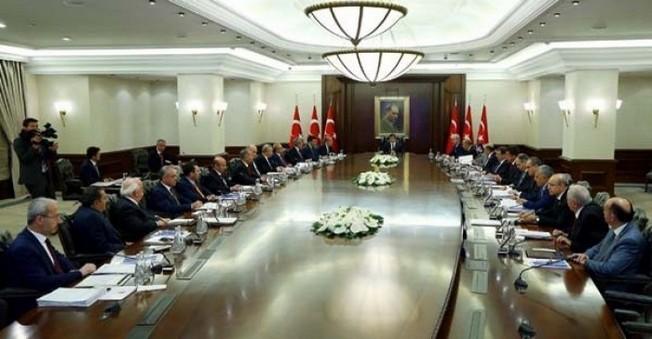 HDP'li Bakanlar İstifalarını Başbakan'a Verdiler