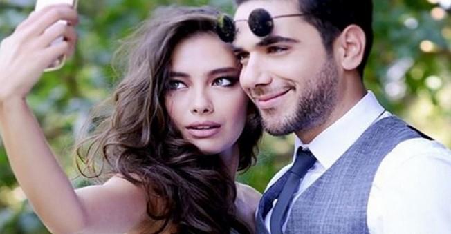 Neslihan Atagül ile Kadir Doğulu Nişanlandı