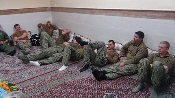 İran O Amerikan Denizcilerin Resimlerini Yayınladı!