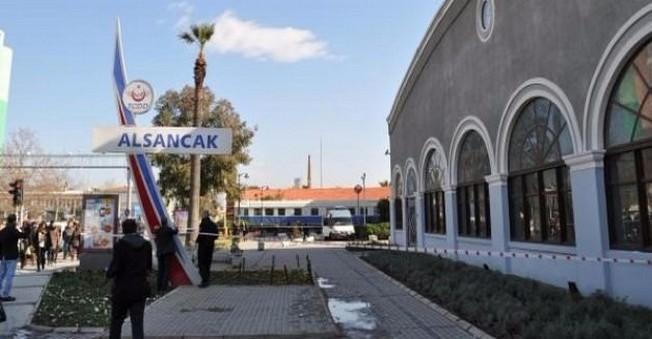İzmir Garı'nda Bomba Paniği