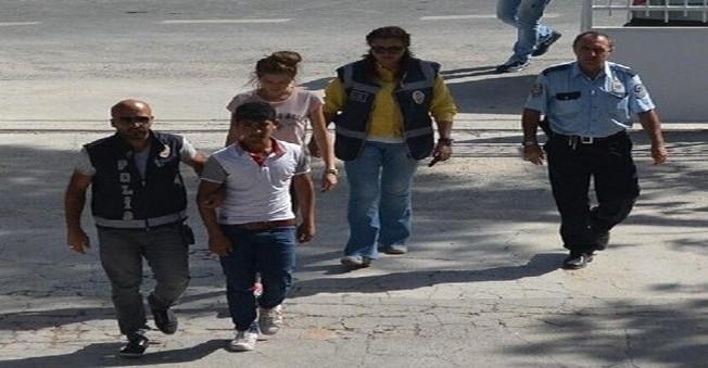 İzmir'in Urla İlçesi'nde Telefon Dolandırıcıları Yakalandı