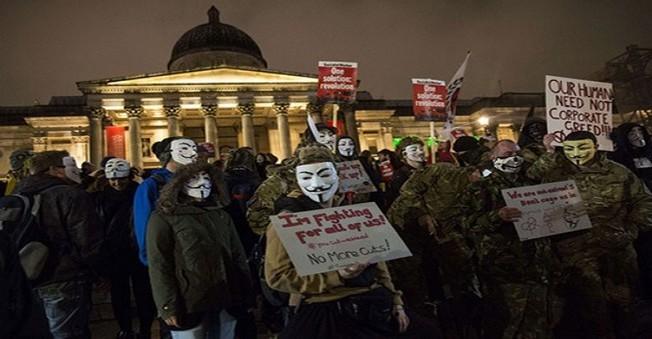 Londra'da 50 Kişi Hacker Grubu Anonymous'un İçin Gözaltına Alındı