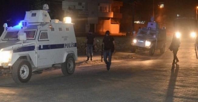 Mardin'de Hendek Kapatmaya Giden Polislere Saldırı
