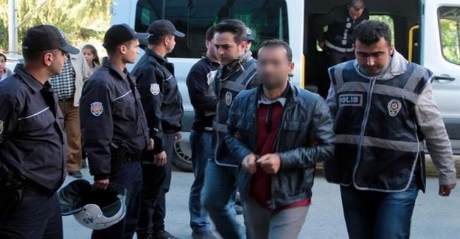 O 7 Kişi 'Paralel Yapı' kapsamında tutuklandı