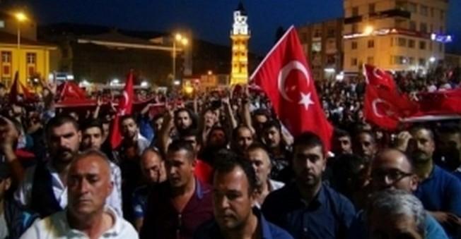 Ortalık Savaş Alanı!HDP Binaları Yakıldı