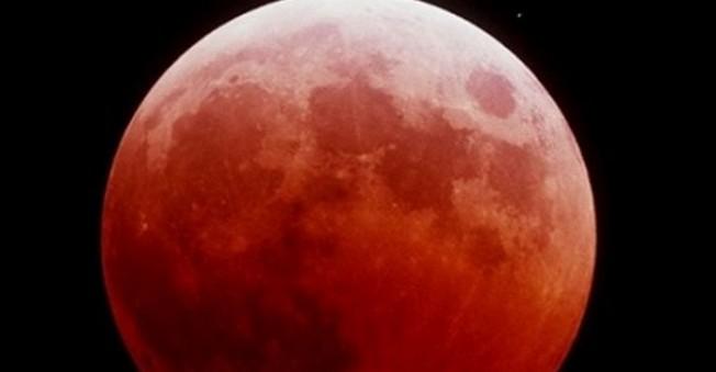 Süper ay ve ay tutulması Eylül ayında aynı zamanda
