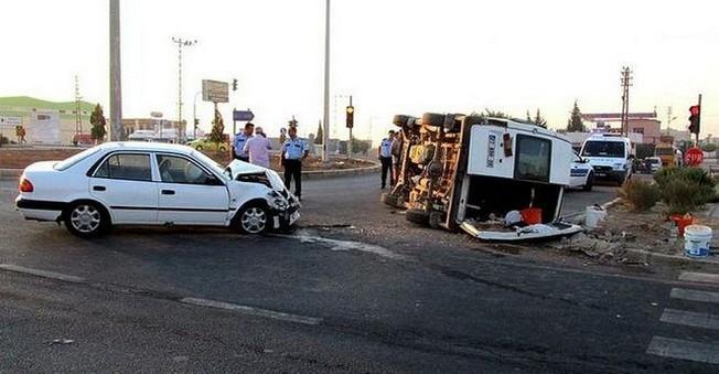 Tarım işçilerini Taşıyan Minibüs Devrildi! 11 Yaralı...