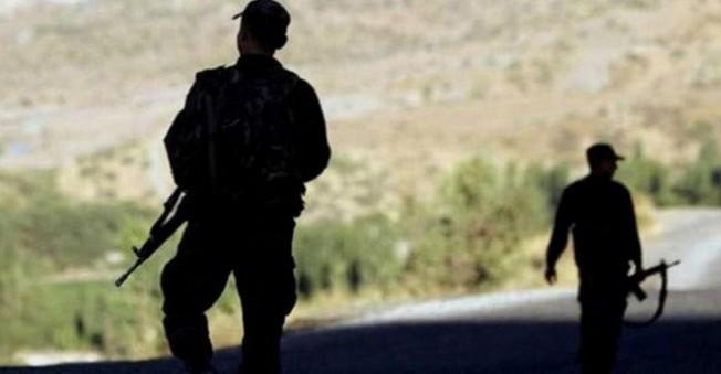 Teröristlerden Yol kontrolü Yapan Askere Hain Saldırı