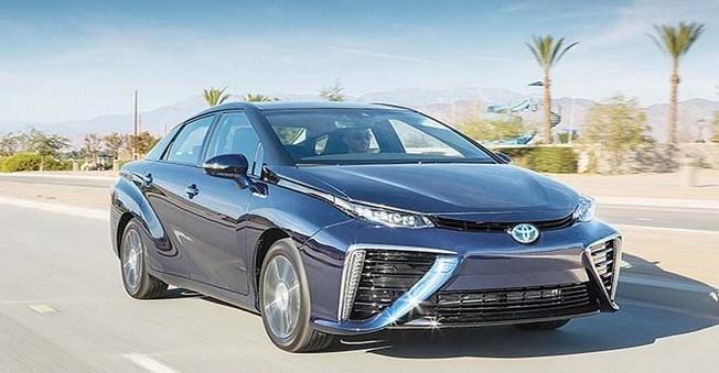 Toyota'nın Hidrojen Yakıtlı Aracı Satışa Sunuluyor