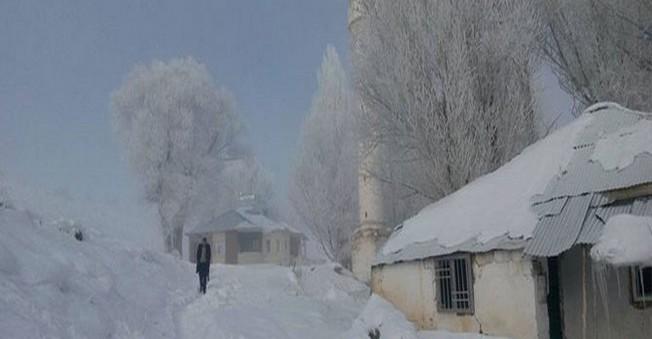 Türkiye Donuyor! AĞRI'da Hava Eksi 21 Derece Oldu