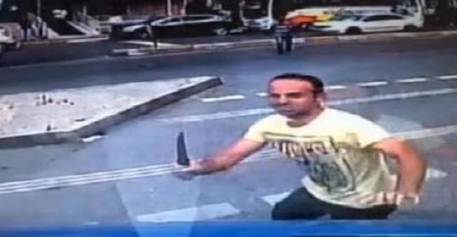 Ümraniye'de Dehşet Dolu Anlar!Bıçakla Şoföre Saldırdı (Görüntülü Haber)