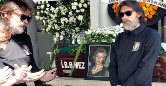 Ünlü oyuncunun annesi hayatını kaybetti