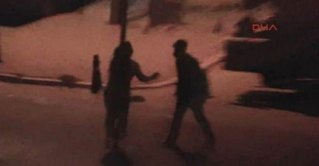 Yol Ortasında Kadına Şiddet Kameralara Takıldı!